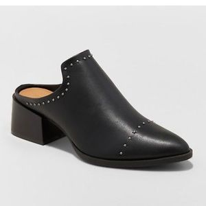 UNIVERSAL THREAD BLACK STUDDED POINTY HEEL MULE